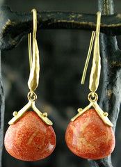 Talisman Unlimited Hammerwire Earrings with Coral Drops in 18K Yellow Gold