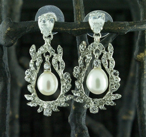 Siman Tu Swarovski Crystal and Pearl Earrings