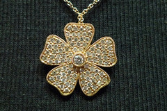 Mia & Company Flower Necklace in 18K Yellow Gold with Diamonds