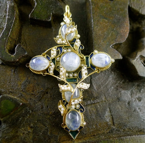 Roquemaure Galitzine Moonstone Cross Pendant in 18K Yellow Gold