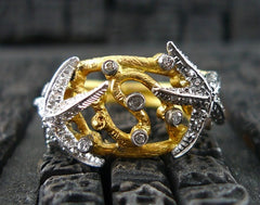 Umlaut 18k Yellow Gold and Diamond Starfish Ring