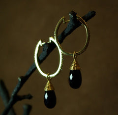 Coomi 20K Yellow Gold and Diamond Oval Hoop Earrings with Faceted Black Garnet Drops