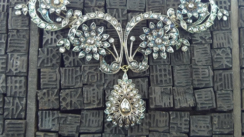 Antique Georgian Diamond Necklace with Floral Motif in 18K Gold and Silver