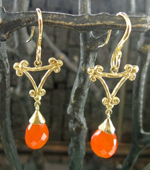 Pamela Froman 18K Yellow Gold and Faceted Pear Shaped Carnelian Earrings