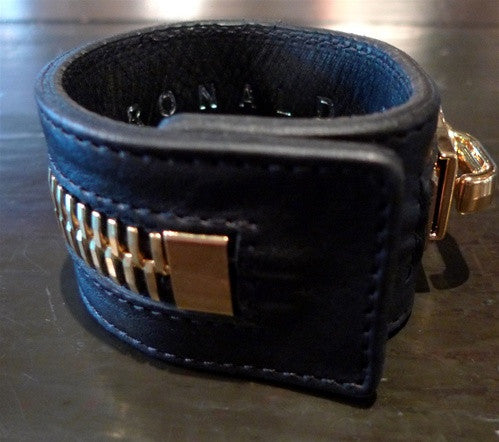 Ronald Pineau Calf Skin Black Zipper Magnet Bracelet (Oro)