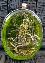 Antique Venetian Peridot Green Glass Cameo Pendant or Brooch in Yellow Gold