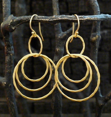 Kevia Handmade Dangling Hoop Earrings