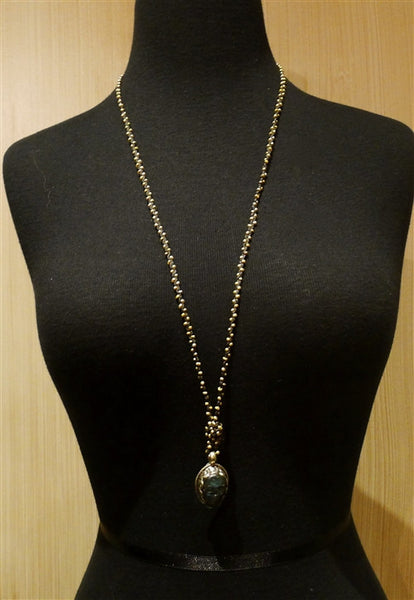 Love Heals Annecy Necklace with Labradorite Pendant