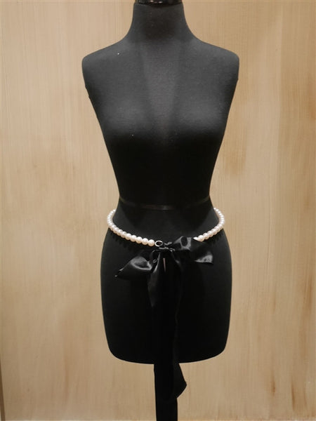 My Flat in London Black Pearl Belt / Necklace