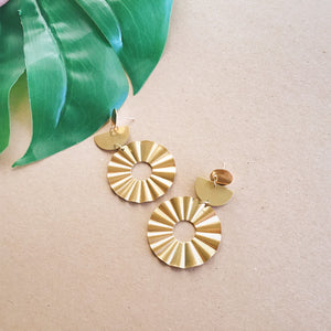 Wavy Brass Circle Earrings