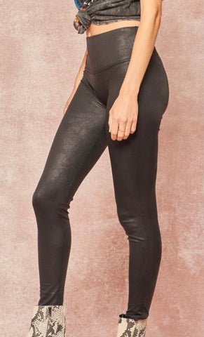 (320) Black Liquid Leather Legging