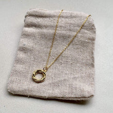 Load image into Gallery viewer, ffreckle Necklace Vista Necklace