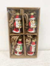Load image into Gallery viewer, Set of 4 Santa Baubles