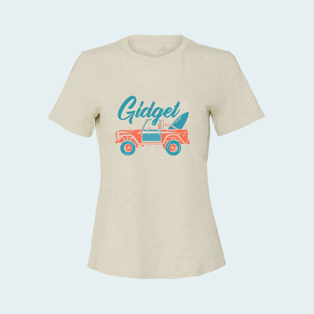 Kids coconut creme colored t-shirt, view of front-side, with large-print jeep and surfboard
