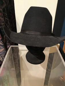 Black Akubra cowboy Hat as new - Size 58