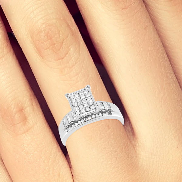 Diamond Engagement Ring .50CT tw Round Cut w/ Baguettes 10K White Gold