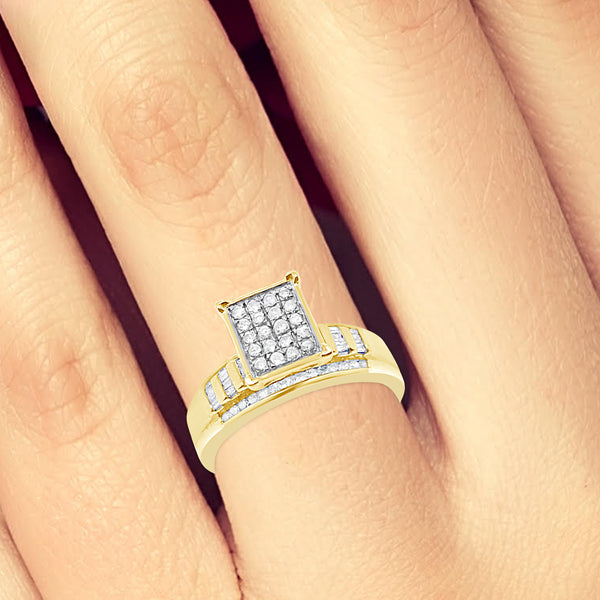 Diamond Ring .50CT tw Round Cut w/ Baguettes 10K Yellow Gold