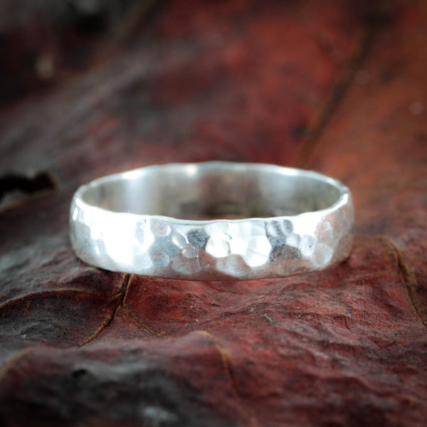 Hammered Vintage Name Ring, Silver 5 mm ring