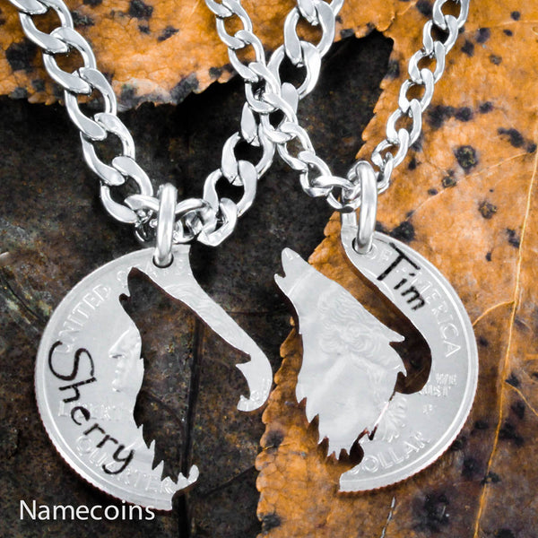 Animal Necklace Set - Howling Wolf Couples Necklaces With Custom Engraved Names