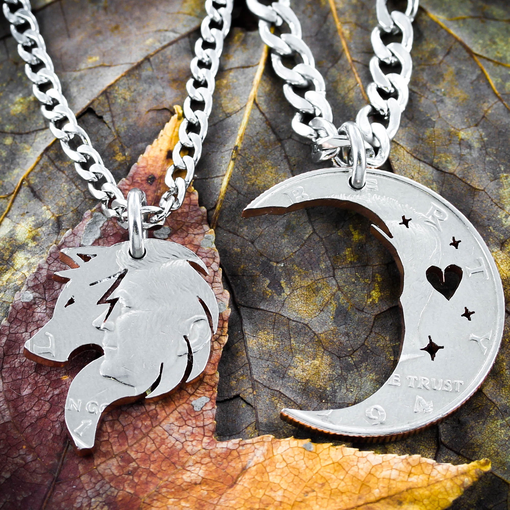 Wolf and Moon, Couples relationship necklaces - NameCoins
