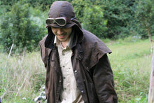 Afbeelding in Gallery-weergave laden, abnehmbare Kapuze | Mütze- Attachable Hood in tan passend zu Kakadu Oilskin Jacken - OUT OF AUSTRALIA | Kakadu Traders Australia
