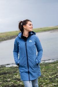 Gisella, is een lang model dames softshell jas van Nordberg