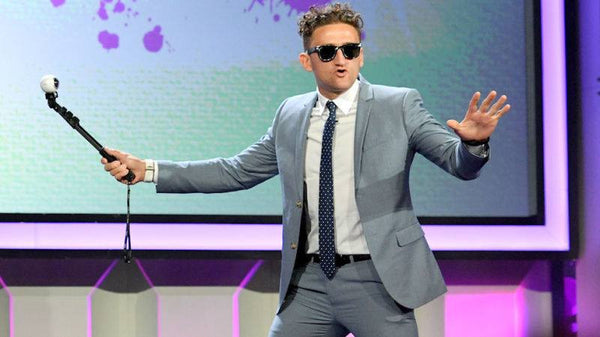 YouTube star Casey Neistat uses the Quik Pod ULTRA with Samsung Gear 360