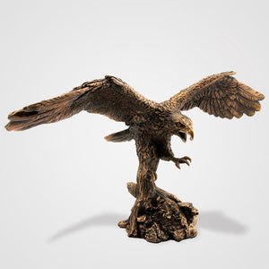 Load image into Gallery viewer, Eagle Landing Statue