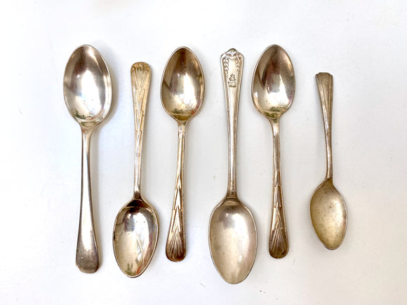 Vintage assorted EPNS tea spoons (x6)
