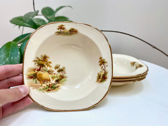 Alfred Meakin (England) soup bowls (x4)