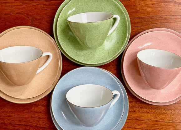 Wako China (Japan) pastel harlequin tea-set, set of four (twelve pieces)