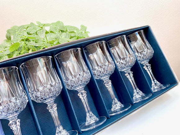 Cristal D'Arques-Durand (France) 'Longchamp' crystal wine glasses (x6) - new in their original box!