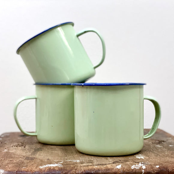 Vintage enamel mugs x 3, in mint green
