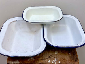 Vintage enamel dishes - mixed set x 3 - in white with blue trim