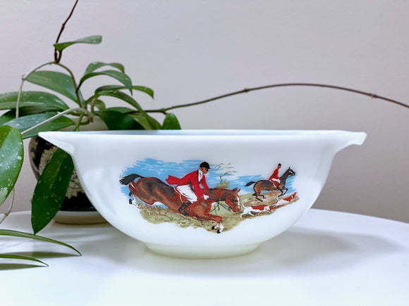 JAJ PYREX 'Hunting Scene' #2176 Serving Bowl