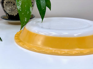 AGEE / CROWN PYREX #PRS8 scalloped pie dish