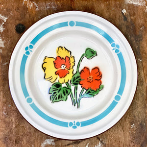 Vintage enamel shallow bowl, with daffodil design