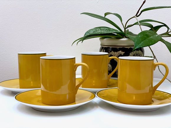 Schmid Kreglinger (Japan) 'Kelco' Lagardo Tackett-designed cup and saucer set (x4)
