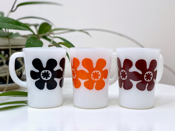 AGEE / CROWN PYREX 'Flower Power' coffee mugs (x3)