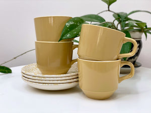 Crown Lynn (New Zealand) 'Donegal Gold' teacup and saucer set (x4)