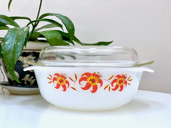 AGEE / CROWN PYREX (Australia) 'Tiger Lily' 1.25L Round Casserole