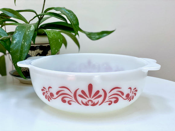 JAJ PYREX (England) 'Red Scroll' #2184 Easy-Grip Round Casserole (no lid)