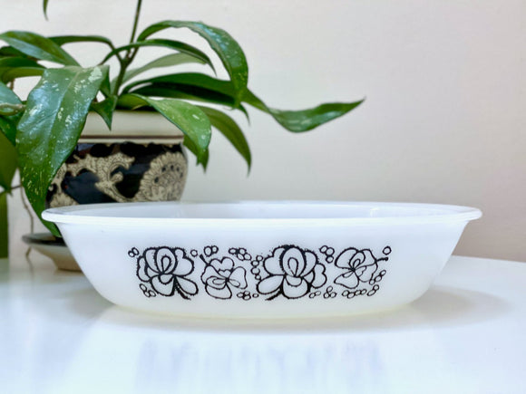AGEE / CROWN PYREX (Australia) 'Clover' Oval Pie Dish
