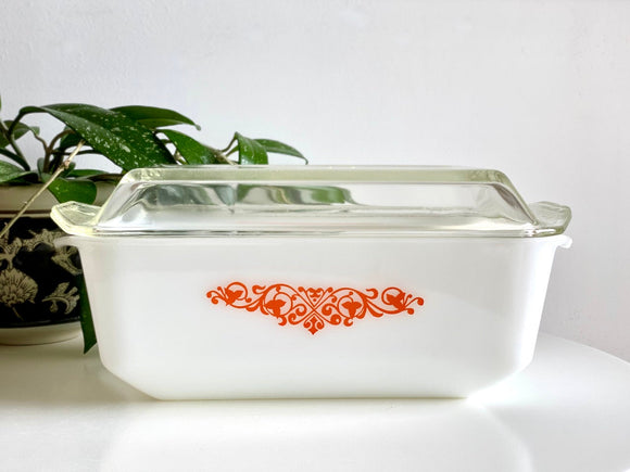 AGEE / CROWN PYREX 'Ivy Garland' in orange, 2.75 Lt Chicken Casserole