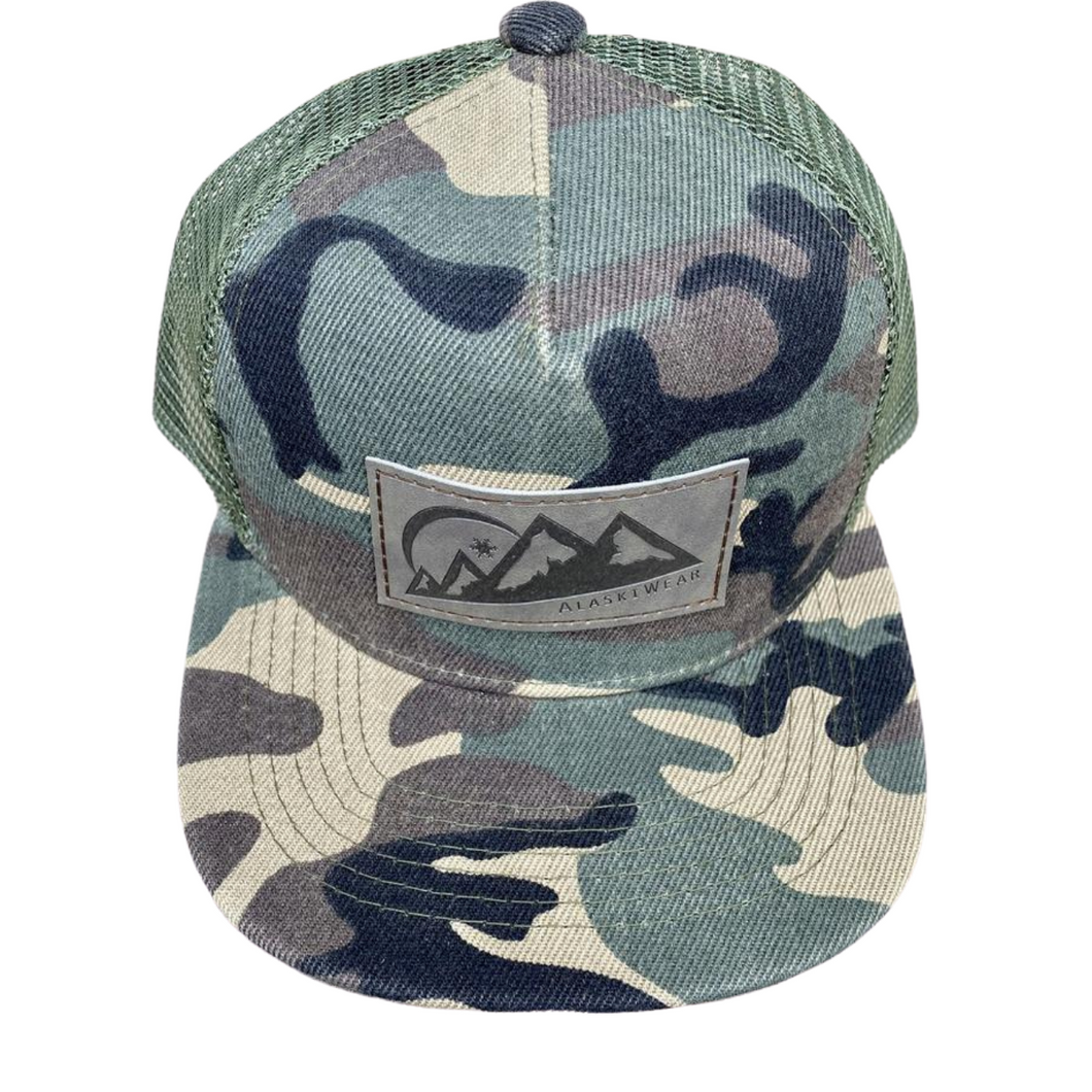AlaskiWear Youth Trucker Hat - Green Camo