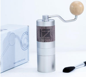 1Zpresso Q2 Manual Coffee Grinder - touches