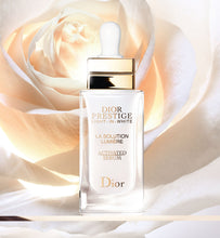 Load image into Gallery viewer, Dior Prestige Light-in-White La Solution Lumière Activated Serum