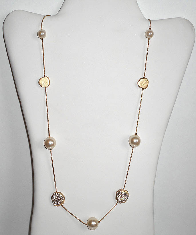 Gold and Pearl Glitz Necklace
