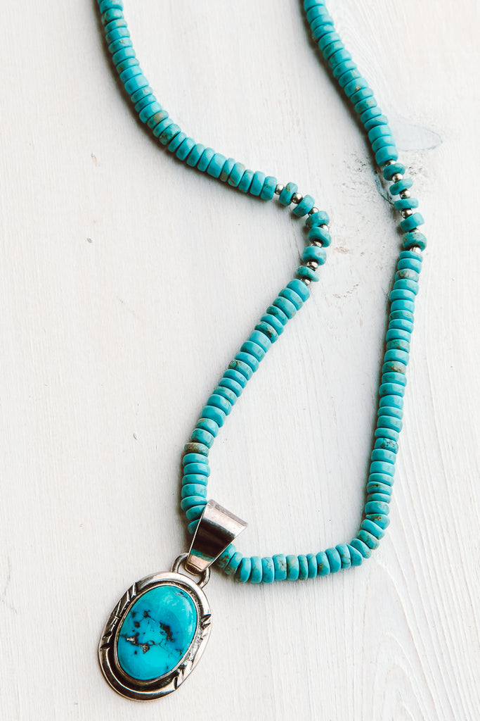 Sterling Silver Blue Turquoise Short Necklace