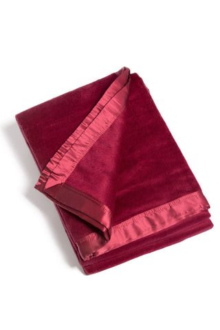 Throw-blankets - Ultra Plush Blanket, Micro Velvet Fleece For Comfort And Warmth 100% Silk Trim